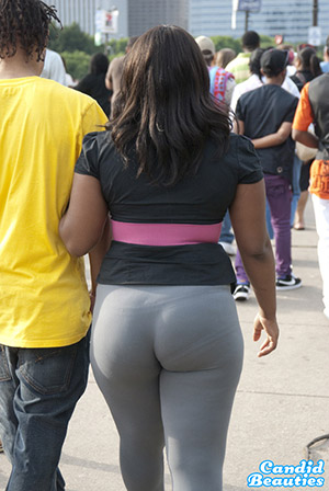 Thick Ass In Leggings